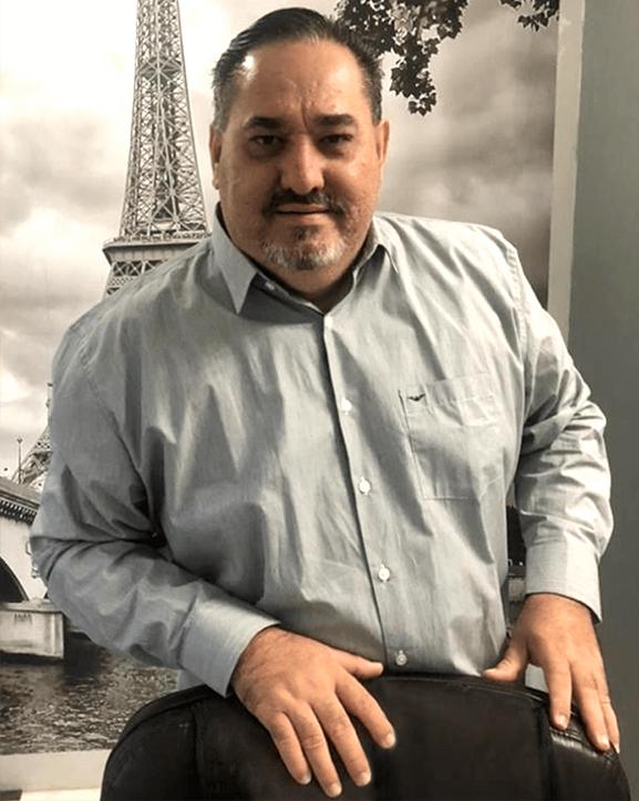 Dr. Luís André